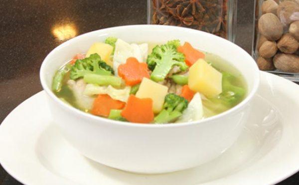 Menu Makanan untuk Penderita Kolesterol: Sup Ayam Brokoli