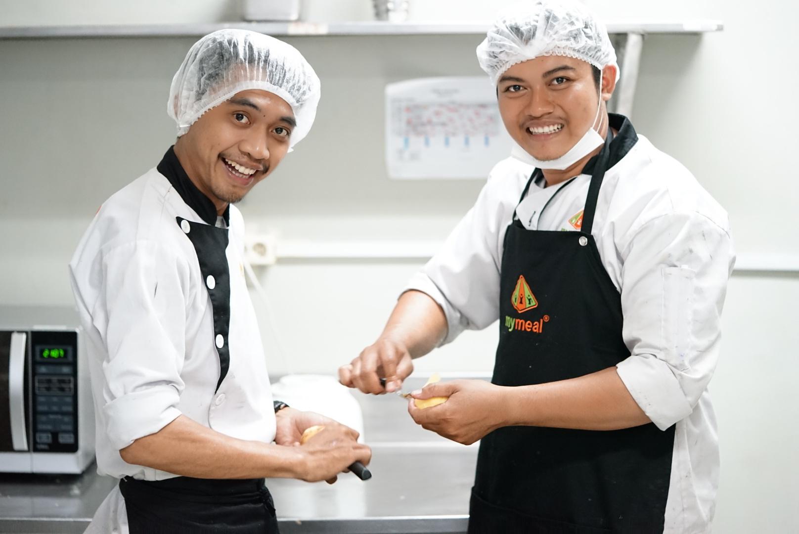 Paket Catering Isolasi Mandiri MyMeal Catering disiapkan oleh chef profesional