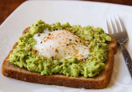 Menu Makanan untuk Penderita Kolesterol: Roti Panggang Alpukat